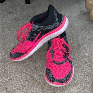 Women's Nike Free Runs 4.0